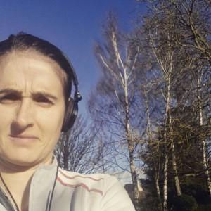 Enfiler mes runnings pour me remettre tranquillement au jogging